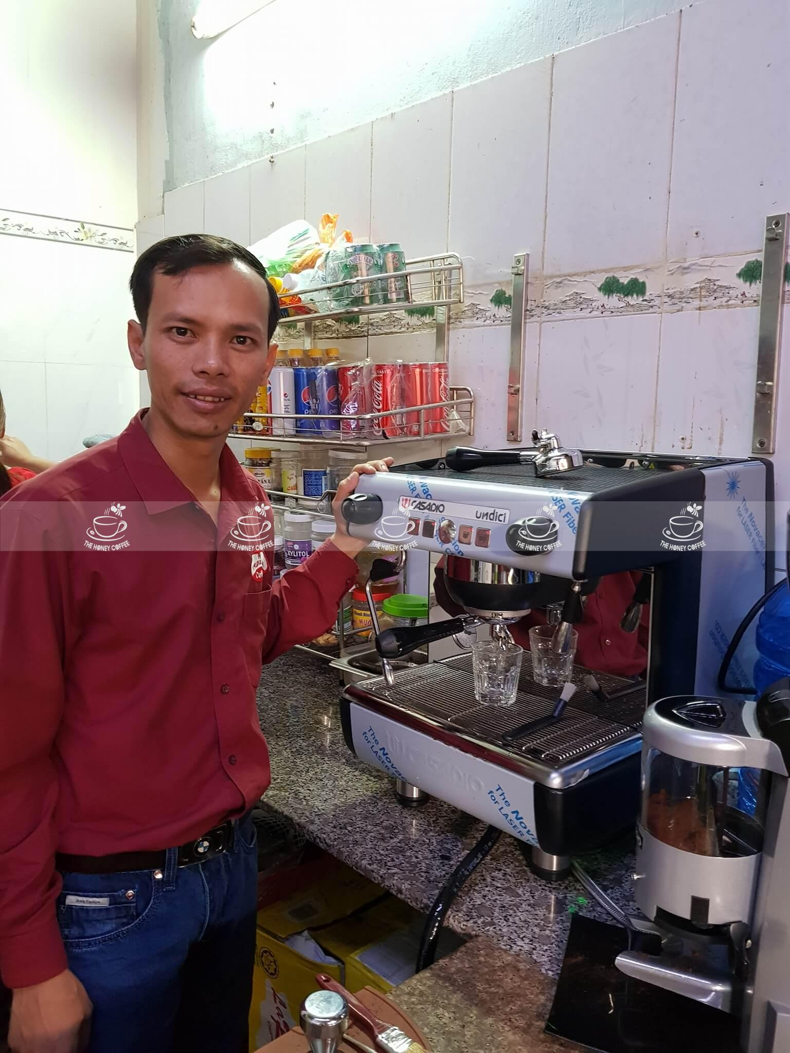 lắp máy pha cà phê